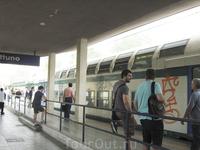 Поезд-регионале Неттуно-Рим