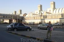 ОАЭ/Торговый центр а Шардже(ковры, сувениры, золото, и пр.)