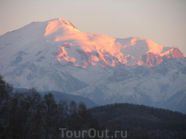 Рассвет в горах.