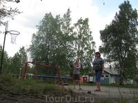 на территории мотеля))))))