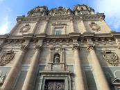 Кроме знаменитого Университета в Саламанке есть еще несколько учебных заведений и одно из них находится в этом огромном здании в стиле барокко - La Clerecía ...