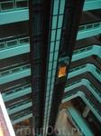 Лифт внутри здания - Парк крыло