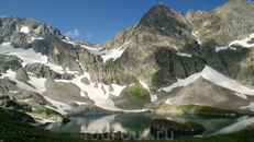 ОЗЕРО БЕЗМОЛВИЯ(Большое Имеретинское озеро) — самое большое каровое озеро (площадь 0,21км2, максимальная глубина 18м) не только в рассматриваемом районе ...