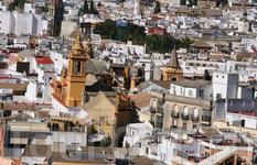 Высота башни Хиральда дает возможность осмотреть весь город...