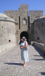 У ворот Дамбуаз, построенных в северо-западной части средневекового города
