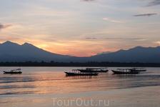 Восход на Гили Траванган.
