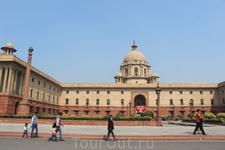 Здание правительства в Дели.