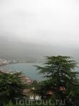 вид на город и озеро Охрид