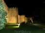 Вечерняя подсветка стен.