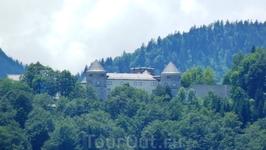 Что это за замок в горах - мне так и не удалось выяснить