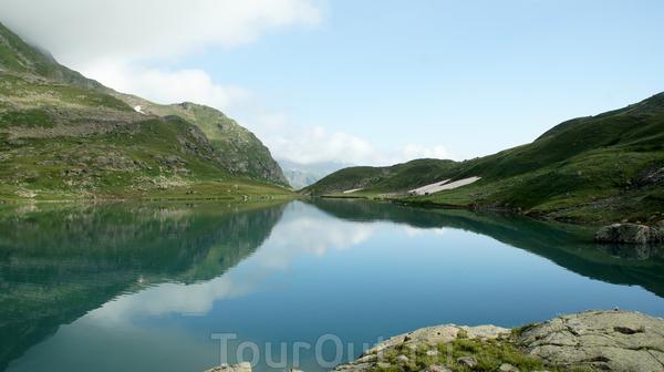 Окончание озера,оттуда начинает свое течение река Имеретинка