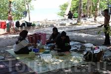 Отдых местных жителей острова Лангкави.