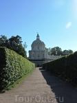 Лабаринт перед дворцом и башенка левого крыла