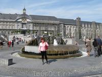 Площадь перед княжеским дворцом.