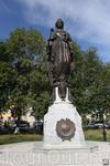 Памятник Екатерине великой на ярмарочной площади