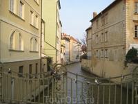 Пражская Венеция. Замочки на перилах.