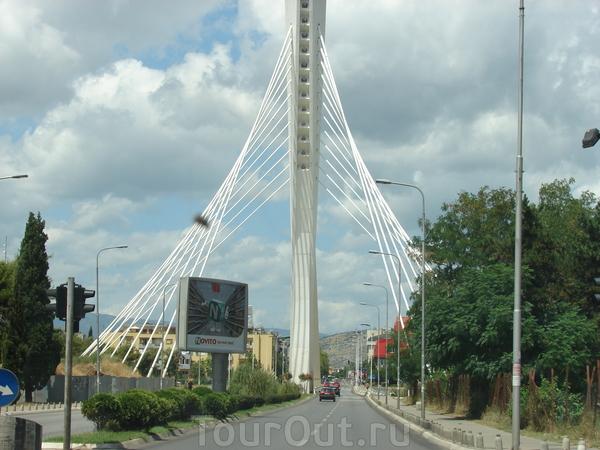 Подгорица. Мост Тысячелетия.