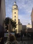а напротив пивоварни - церковь...