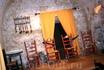 Знаменитые патио Кордобы, уже все подготовлено для вечернего представления фламенко