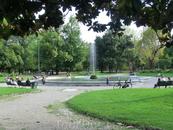 Так неспешно мы добрели до городского парка, так называемых Общественных садов, Giardini Pubblici, небольшой островок зелени  посреди городских каменных ...