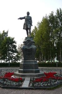 Петрозаводский памятник Петру I