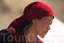 Портрет женщины на перевалах по дороге в Западный Тибет