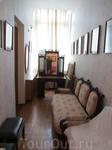 В этой комнате на стене размещены документальные материалы, посвященные 200-летию Бородинского сражения