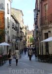 Мы пошли на главную улицу, которая называется Rúa Mayor. Странное для Испании название наверное объясняется близостью Португалии. Для меня было неожиданностью ...