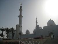 Гранд-мечеть в Абу-Даби