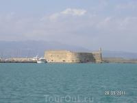 Венецианская крепость издали