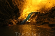 Круиз по подземной реке