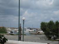 Порт Малии. В этом месте находится приличный рыбный ресторан.