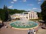 Комплекс фонтанов у главного входа с Театральной площади