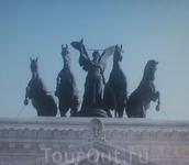 """Композиция """"Богиня Ника на колеснице"""""""