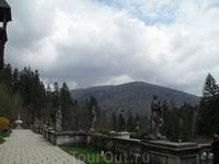 Замок Пелеш, парк возле замка
