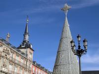 Елка на Plaza Mayor - такой же конус, а рождественскую ярмарку уже разбирали. Ну, будет повод приехать в следующий раз.