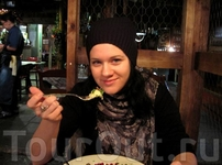 В ресторане Zetor, пробую оленью строганину)