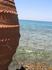 таких вот глиняных амфор много вдоль побережья.