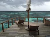 Надвигается буря. Хотя, какая это буря. Ну, подует ночку ветер и дождик, завтра снова на пляж