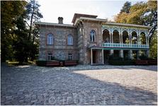 Дом князя А.Чавчавадзе в Цинандали. Именно здесь, в английском парке и уютной усадьбе, венчались Александр Грибоедов и Нина Чавчавадзе