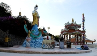 Гора обезьян и храм Ват Кхао Лад