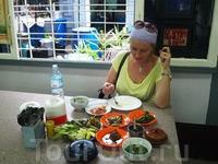 Обед в кафе Янгона