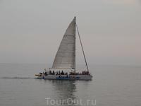Экскурсионные яхты