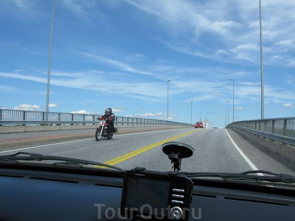 Мост в Пуумале (Финляндия).