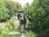 Живописный мостик в районе старого кирпичного завода в Лейпциге. Как будто картинка из сказки...