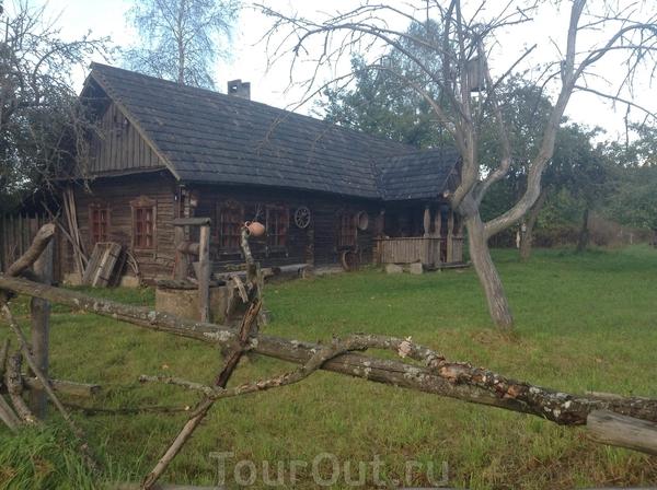 домики для проживания на усадьбе Забродье