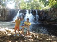 Посетили небольшой водопад