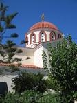 Эта церковь - наверное вторая и последняя достопримечательность Элунды.