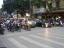 Очень увлекательная забава Вьетнам - переходить дорогу