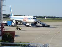Аэропорт Зрачна Лука Пула, борт, который нас доставил.